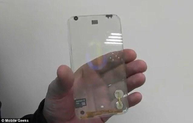 Empresa promete celular transparente ate o fim de 2013