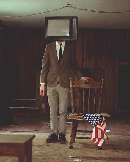 O surrealismo e bizarrimos de Kyle Thompson