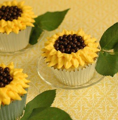 Girassol representado na páscoa na forma de cupcake.