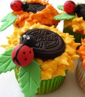 Cupcakes em forma de girassol.