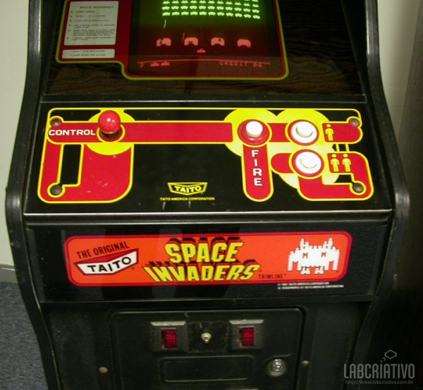 Fliperama Space Invaders