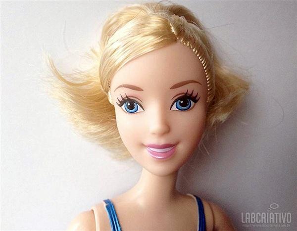 boneca Cinderela com maquiagem