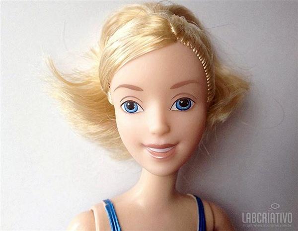 boneca Cinderela sem maquiagem