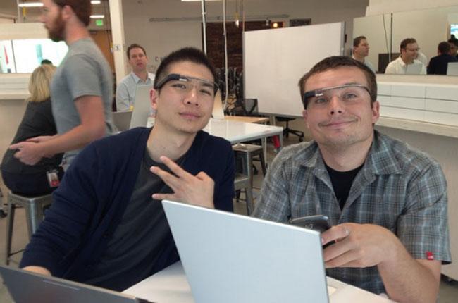 Luke Wroblewski (a direita) foi o primeiro azarado a perder o seu Google Glass