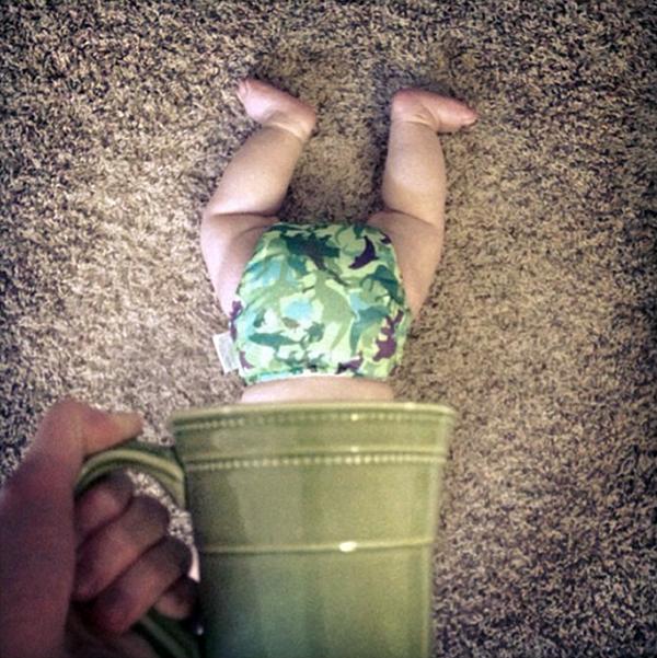 Foto de Bebes em Caneca #babyinamug (4)