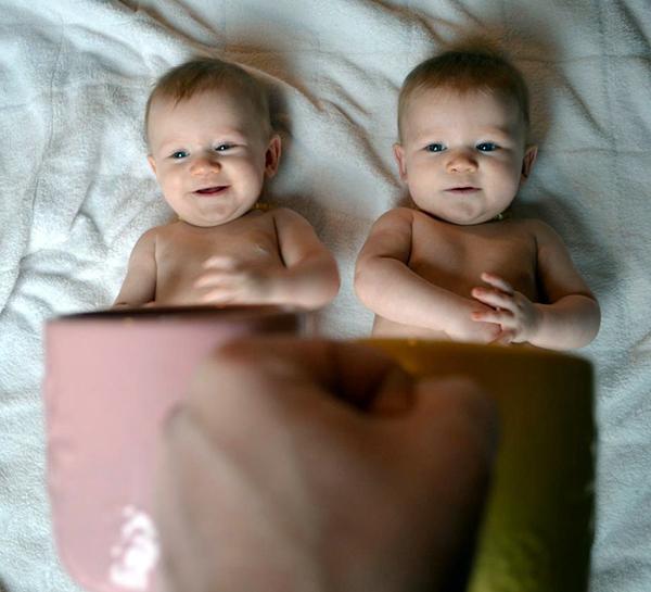 Foto de Bebes em Caneca #babyinamug (6)