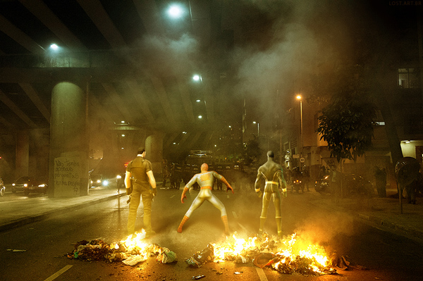 Poder e Responsabilidade :  Super-heróis em protestos no Brasil