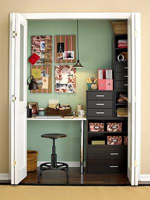 Esse ai aproveita o closet, super funcional terminou o trabalho é só fechar as portas