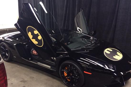 O Batkid não poderia combater o crime sem seu Batmóvel