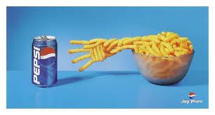 Batata-frita precisa de Pepsi. Literalmente