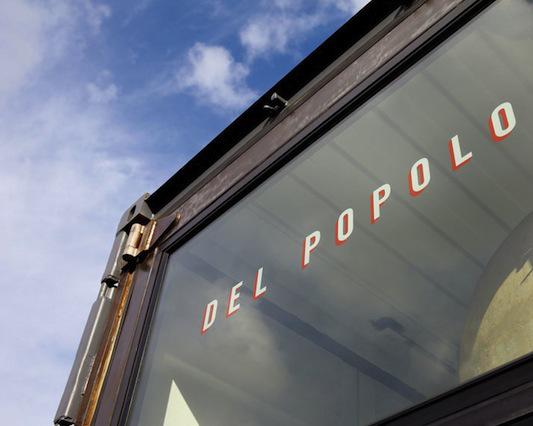 Del Popolo Pizzaria itinerante cosntruida em um container