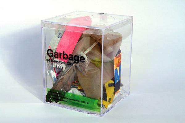 Designer vende lixo de Nova Iorque em caixinhas