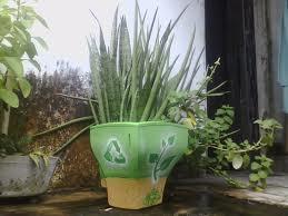Gabinete de monitor grande, virou um vaso de planta