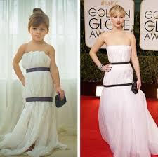 Menina de 4 anos recria, em papel, vestidos de celebridades