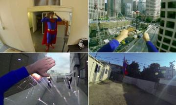 Superman com uma câmera GoPro