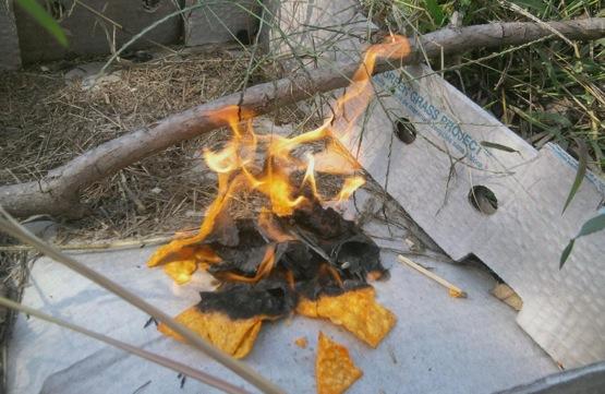 Não tem como acender o fogo do churrasco, use Doritos
