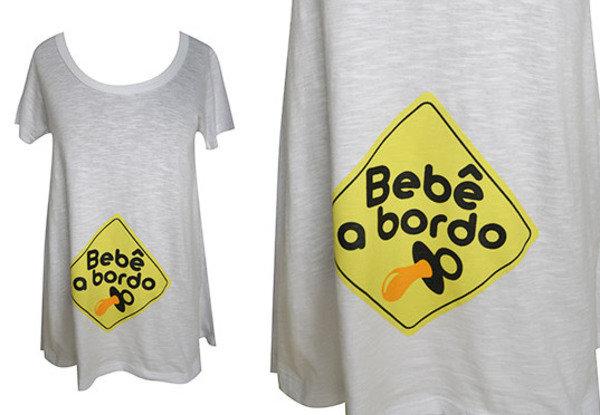 Está chegando!  Existe maneira mais criativa de avisar que um bebê está a caminho? Camiseta da Q-Vizu.