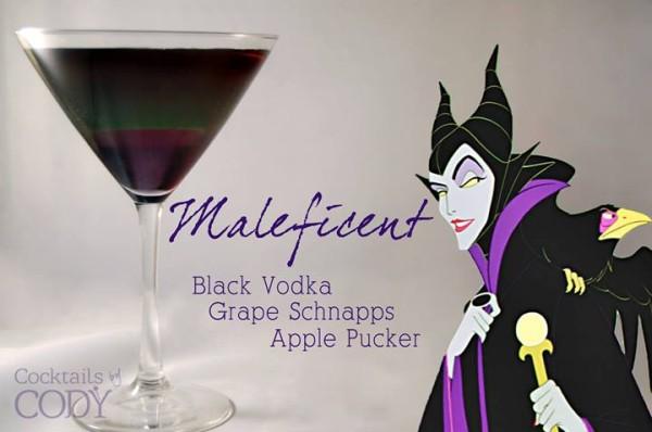 Drink Malévola: Vodka Preta + Licor de Maçã + Refrigerante de uva