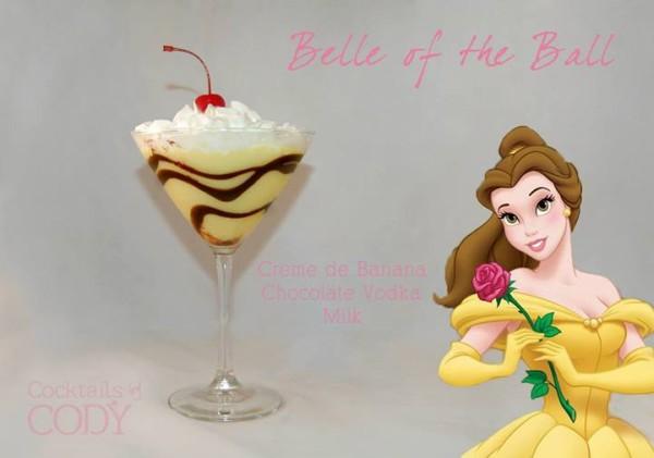 Drink Bela: Creme de banana + Leite + Vodka + Chocolate