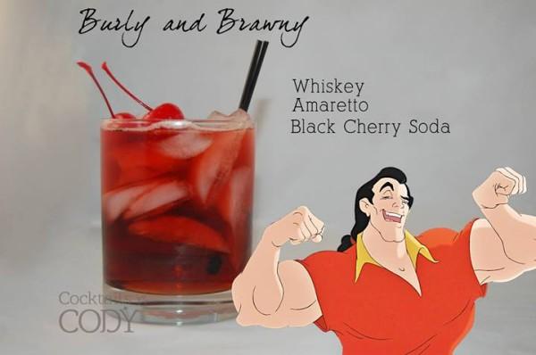 Drink Gaston: Whiskey + Licor Amaretto + Refrigerante de cereja
