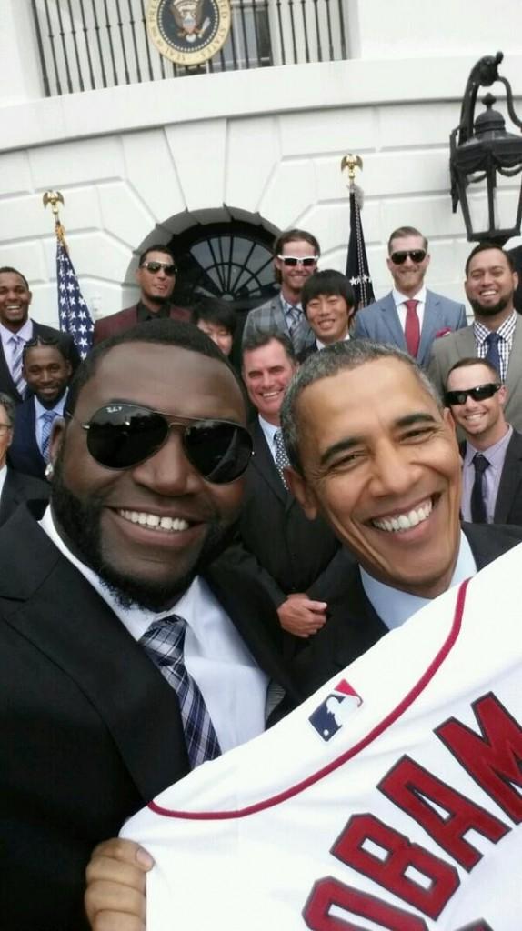 Veja a selfie polêmica de Obama, que irritou a Casa Branca