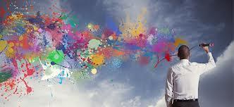 Outra coisa bem legal é começar a reparar nas coisas e pensar em algo para melhorá-las. Isso tem a ver também com Design Thinking, que é um método de pensar muito criativo.  Faça isso com tudo, tente identificar problemas a sua volto e como eles poderiam ser resolvidos. Depois de um tempo você verá que as ideias surgirão mais facilmente!