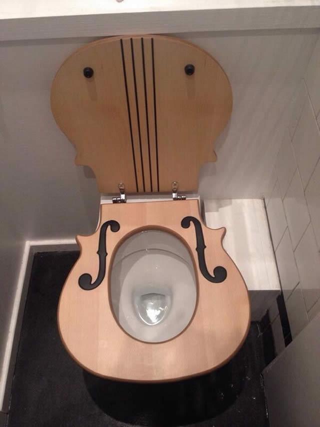 Assento de privada para músicos