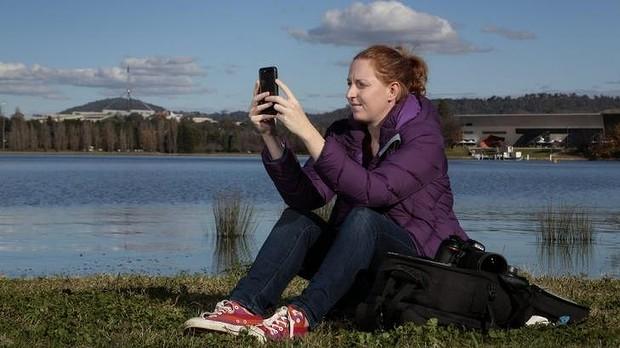 Lauren Bath, de 33 anos, começou fotografando e editando no celular, hoje é uma fotógrafa profissional especializada em Instagram.