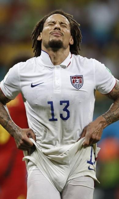 O meia americano Jermaine Jones  queria um calção mais curto. Foto: Adrian Dennis