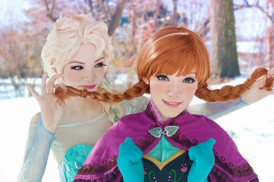 Cosplay Elza e Anna de Frozen