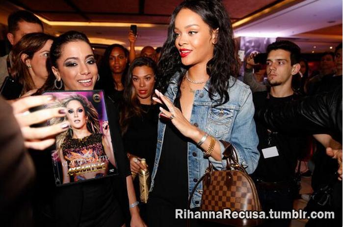 Rihanna recusa DVD da Claudia Leitte AXEMUSIC