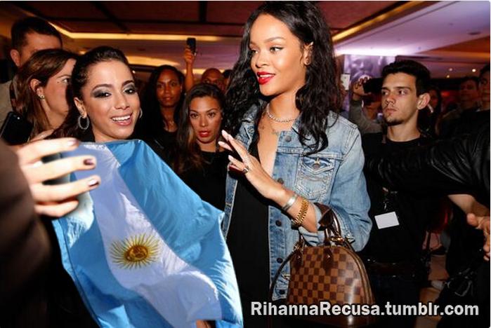 Rihanna recusa bandeira da Argentina