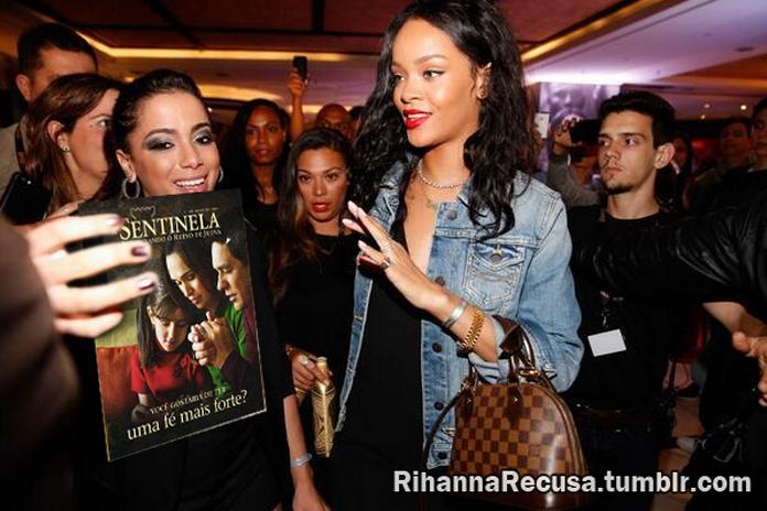 Rihanna recusa revista Sentinela