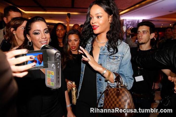 Rihanna recusa uma Tekpix