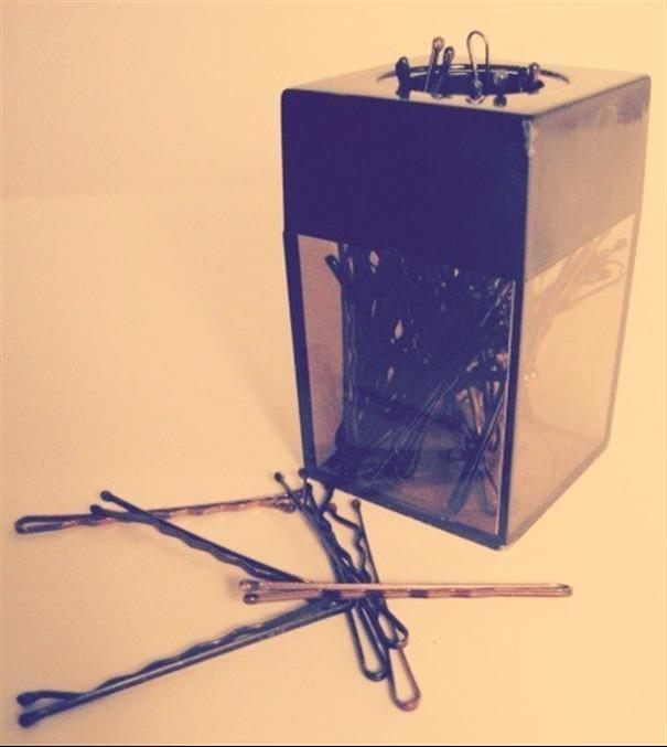 Armazene grampos em um porta clips magnético