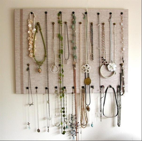 Você pode pendurar seus colares na parede