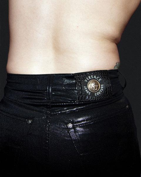 Em Delaware, USA, é ilegal usar calças que ajudem a modelar a cintura, já pensou ?!