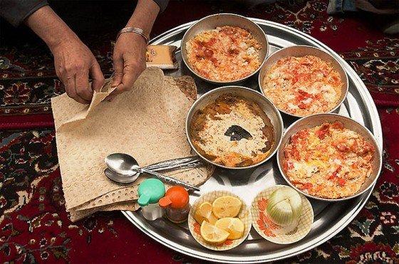 Café da manhã iraniano