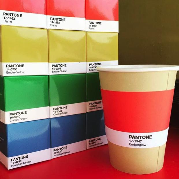 Inaugurou o PANTONE CaféInaugurou o PANTONE Café