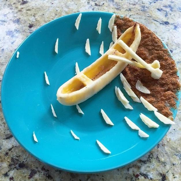 Pai transforma bananas em arte no café da manha