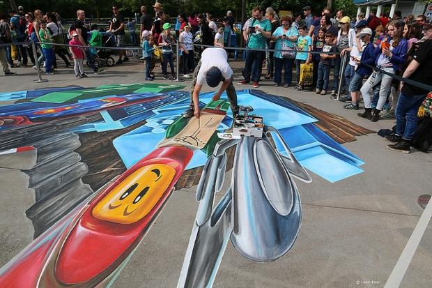 Street Art 3D ilustrações feitas com giz por Leon Keer