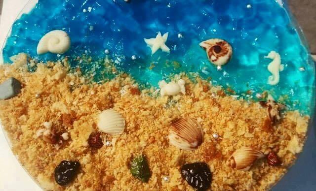 Lindos bolos com temática praia.